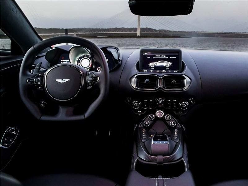 Aston Martin Vantage 2019 салон