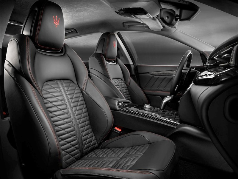 Maserati Quattroporte 2019 передние кресла