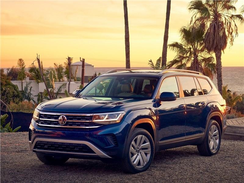 Volkswagen Atlas 2021 вид спереди