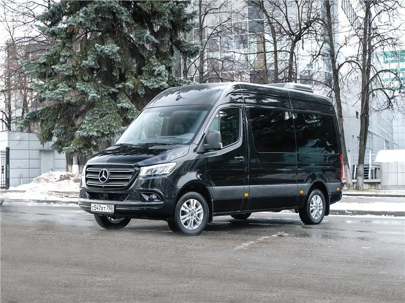 Mercedes-Benz Sprinter 2018 офис на колесах, которому уступают дорогу