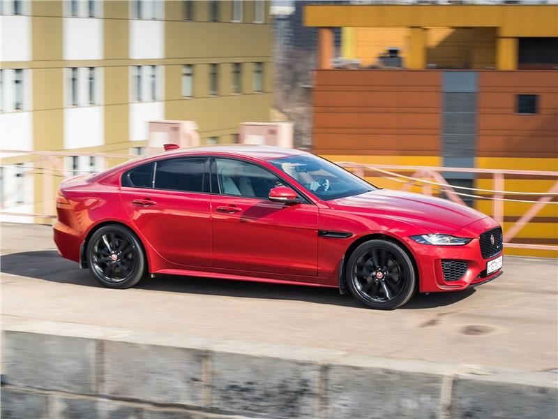 Jaguar XE - jaguar xe p250 2020 что сказали бы про него сыщики прошлого