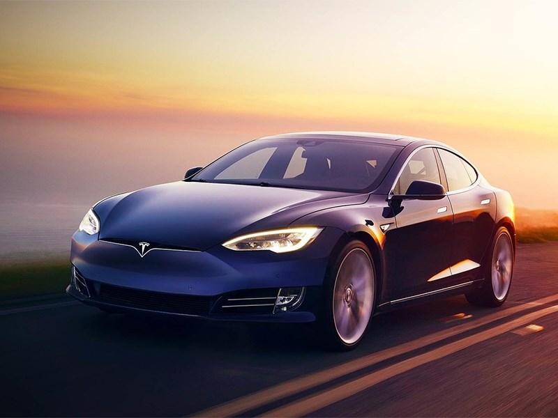 Tesla представила свой космический кроссовер