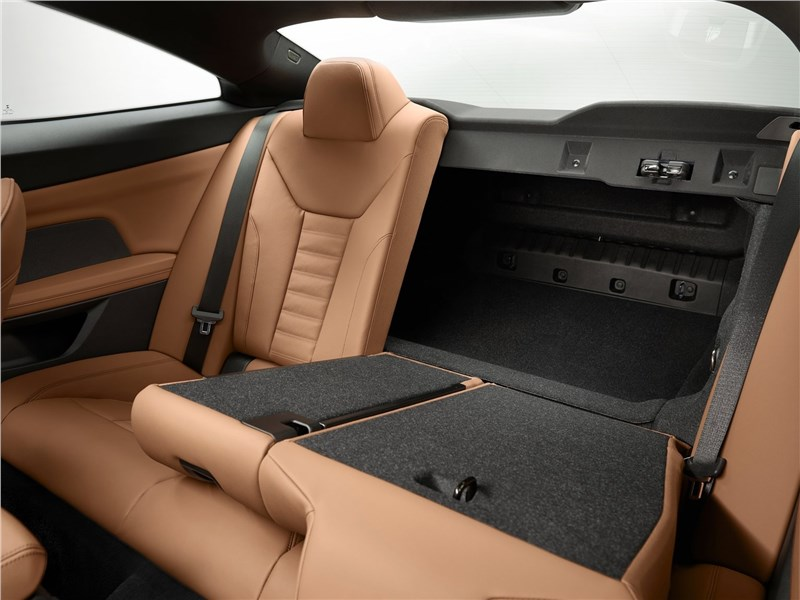 BMW 4-Series Coupe 2021 задний диван
