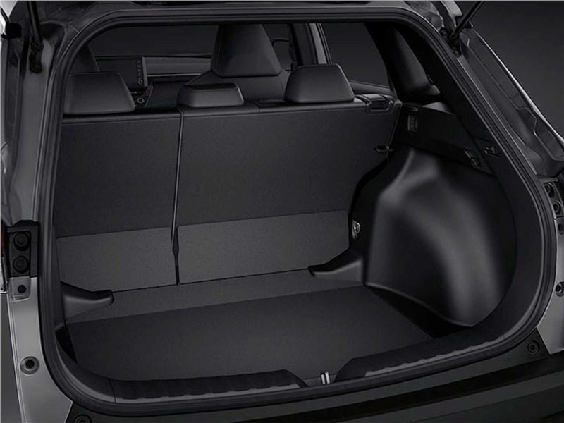 Toyota Corolla Cross (2021) багажное отделение