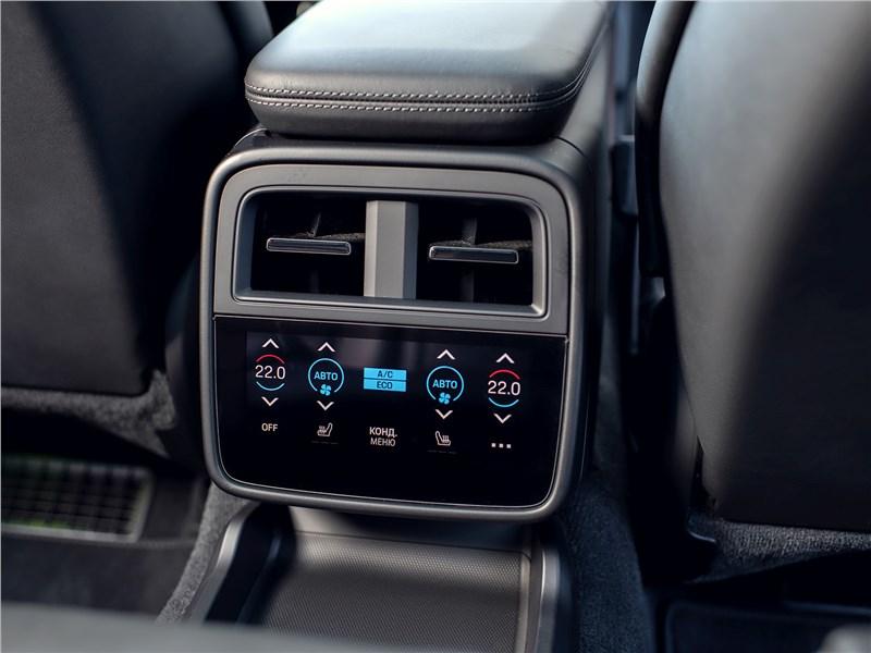 Porsche Taycan 2020 климатическая система