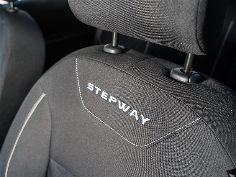 Renault Logan Stepway 2018 переднее кресло