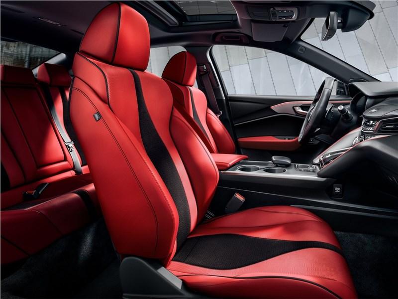 Acura TLX (2021) передние кресла