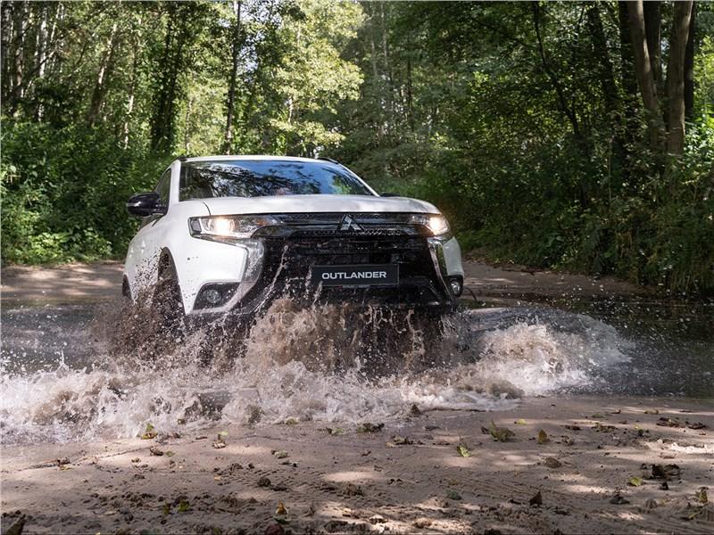 Mitsubishi Outlander 2021 Определяем характер по следам на песке