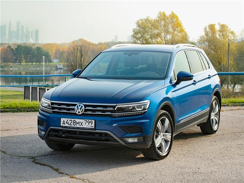 Volkswagen Tiguan (2018) вид спереди