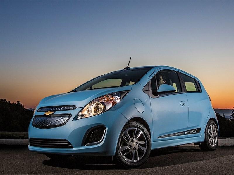 Обновленный Chevrolet Aveo появится только в 2016 году, а новое поколение Spark – в 2015 году