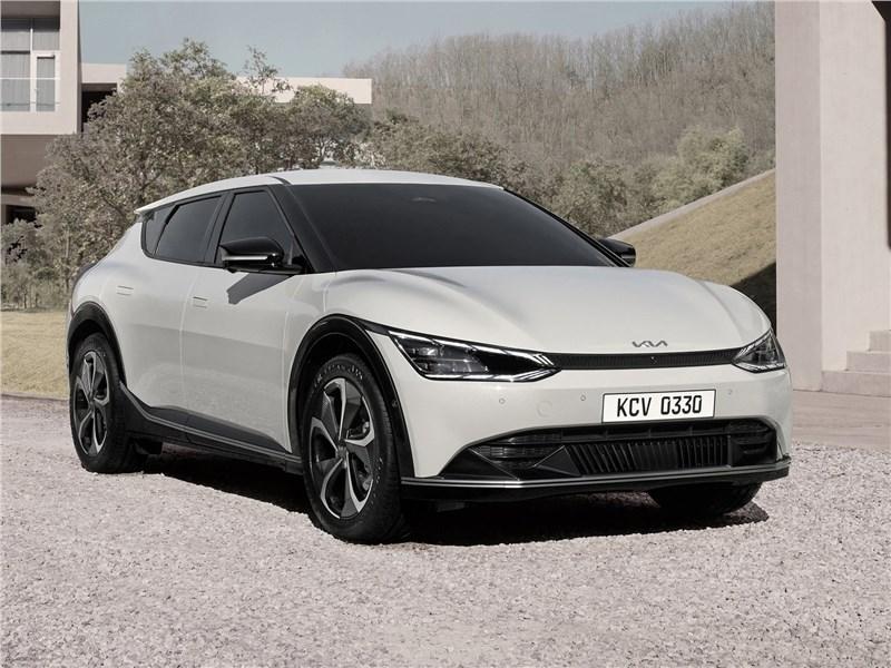 Kia EV6 (2022) вид спереди