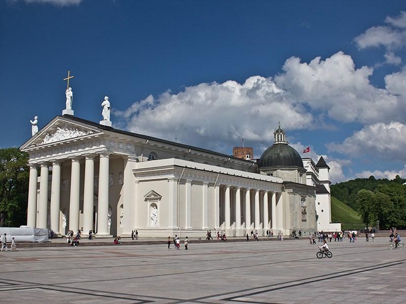 В центре Вильнюса очень много живописных построек