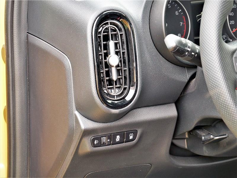 Kia Picanto (2021) дефлектор