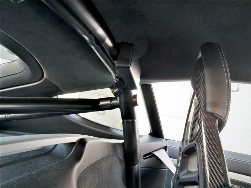 Porsche Cayman GT4 (2020) кресла