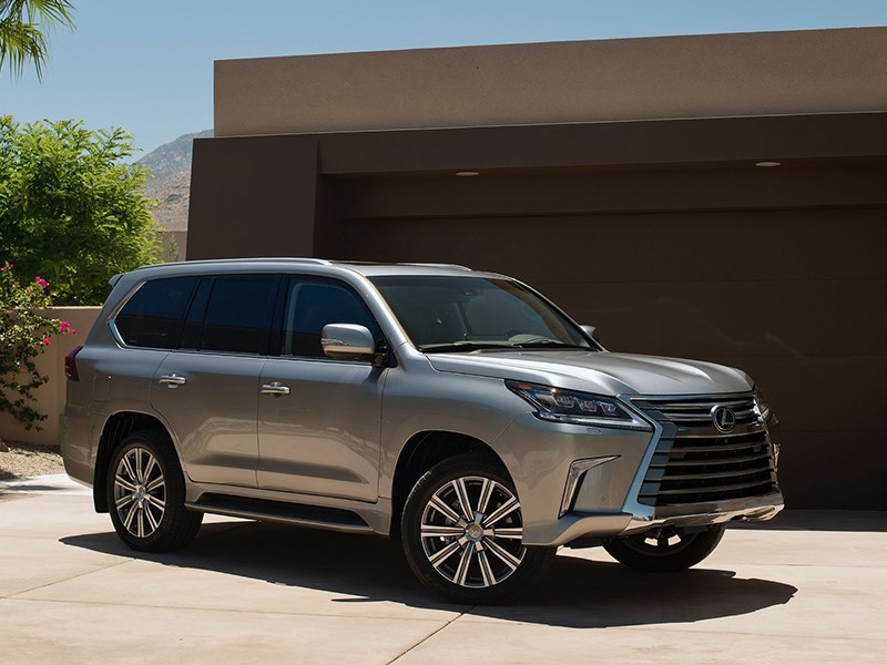 Новый Lexus LX не выйдет в этом году