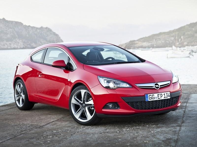 В России появился в продаже Opel Astra с турдобвигателем