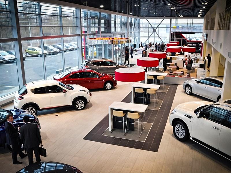 Средняя цена на новый автомобиль в России превысила отметку в два миллиона рублей