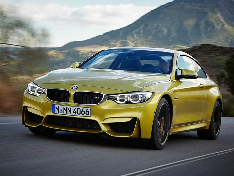 BMW M4 Coupe 2014 вид спереди фото 1