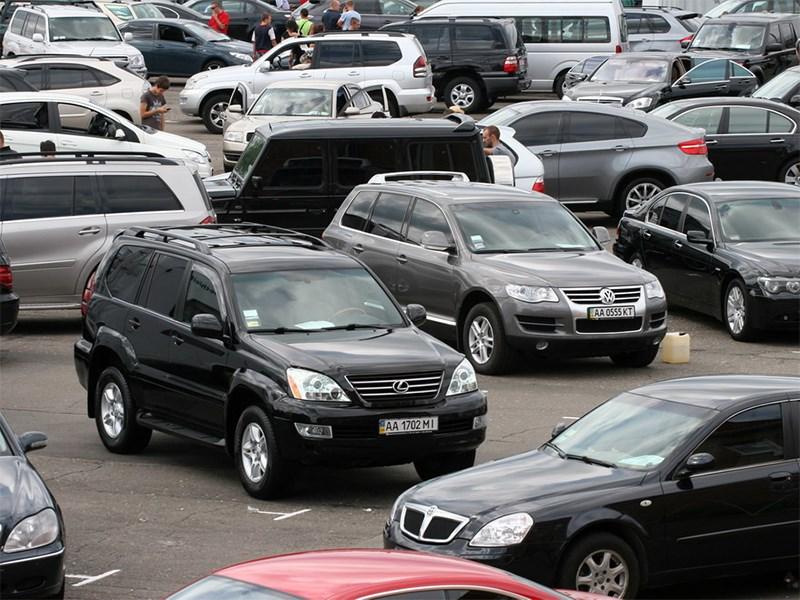 Владельцы премиальных авто быстро перепродают свои машины