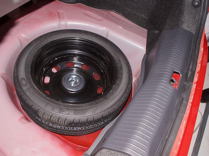 FAW Oley 2014 запасное колесо