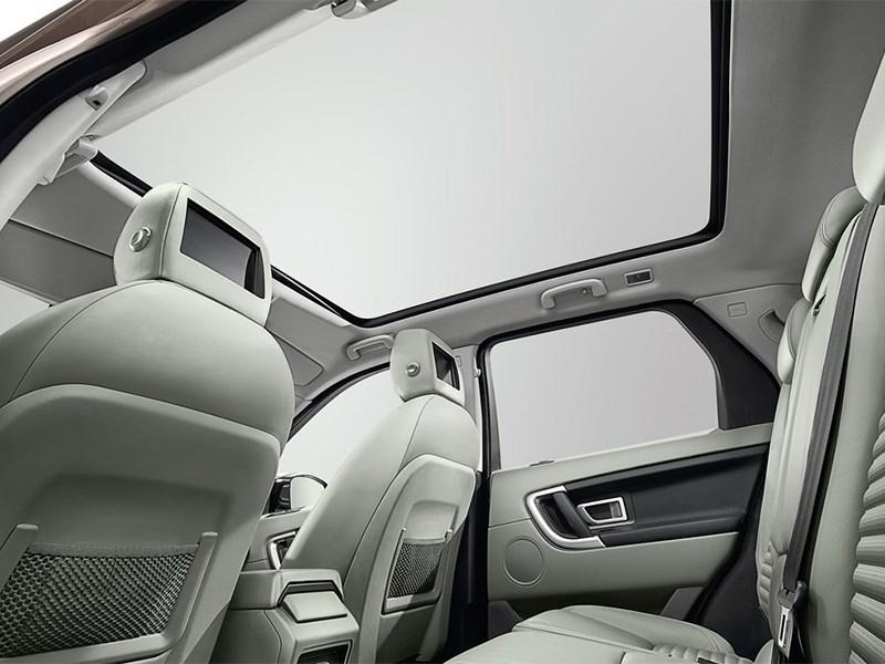 Land Rover Discovery Sport 2015 панорамная крыша