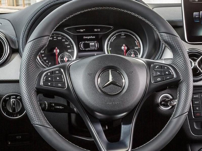 Mercedes-Benz B-Klasse 2015 руль