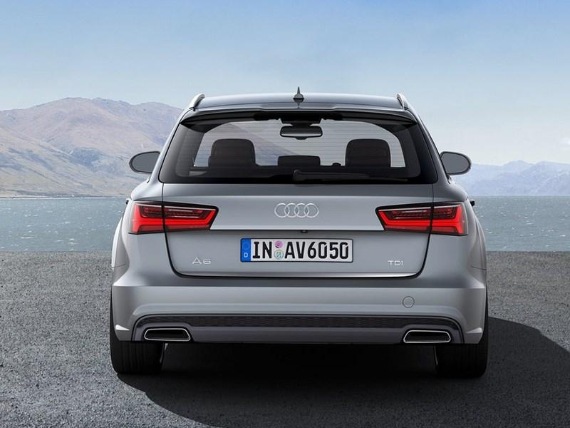 Audi A6 Avant 2015 вид сзади