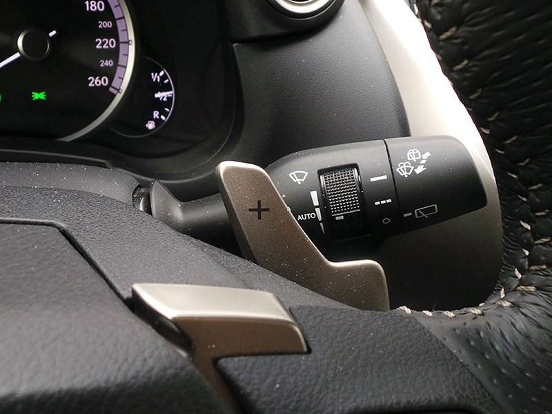 Lexus NX 2014 подрулевые лепестки