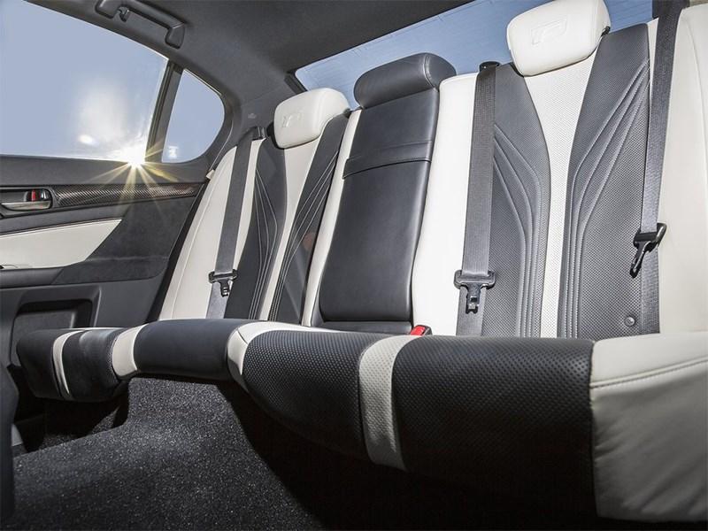 Lexus GS F 2016 задний диван