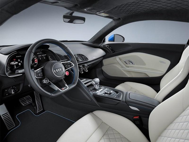 Audi R8 2016 салон