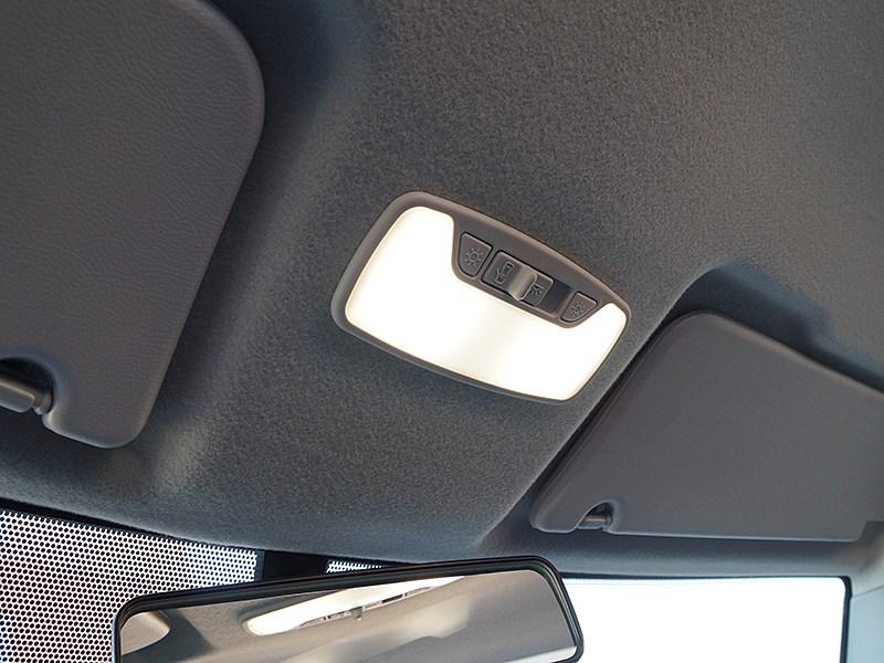 UAZ Pickup 2014 потолочные светильники