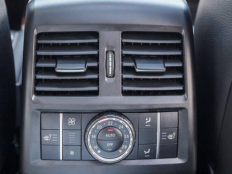 Mercedes-Benz GLE 2016 климат для второго ряда