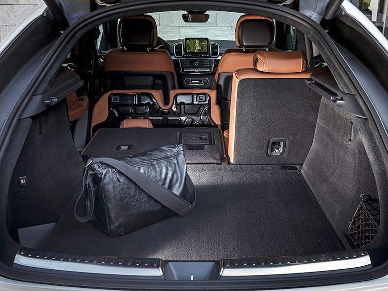 Mercedes-Benz GLE Coupe 2016 багажное отделение фото 2