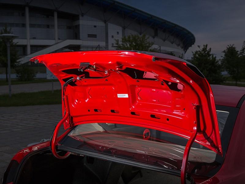 FAW Oley 2014 крышка багажника