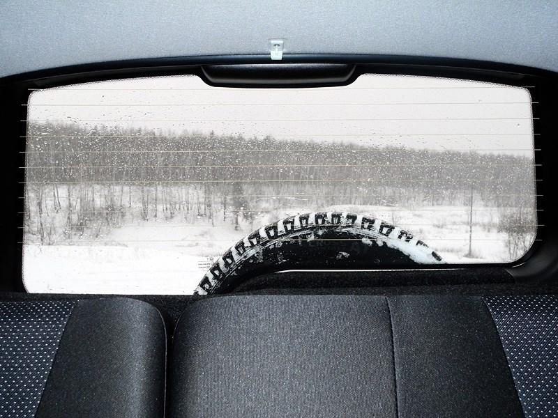 Chevrolet NIVA 2009 заднее стекло