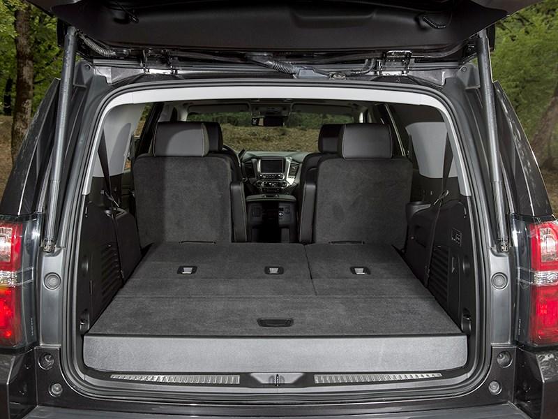 Chevrolet Tahoe 2015 багажное отделение