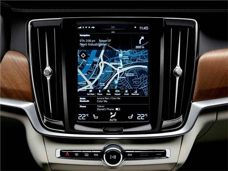 Volvo S90 2016 монитор