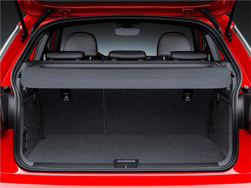 Audi Q2 2017 багажное отделение