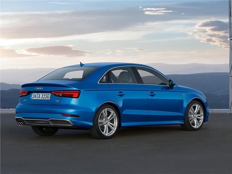 Audi A3 Sedan 2017 вид сзади