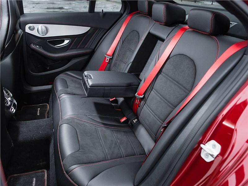 Mercedes-Benz C450 AMG 2016 задний диван
