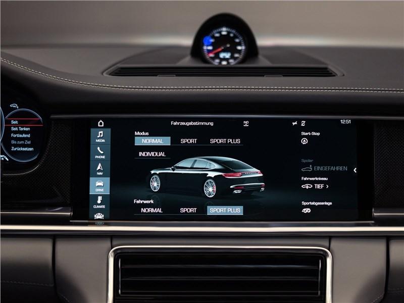 Porsche Panamera 2017 монитор