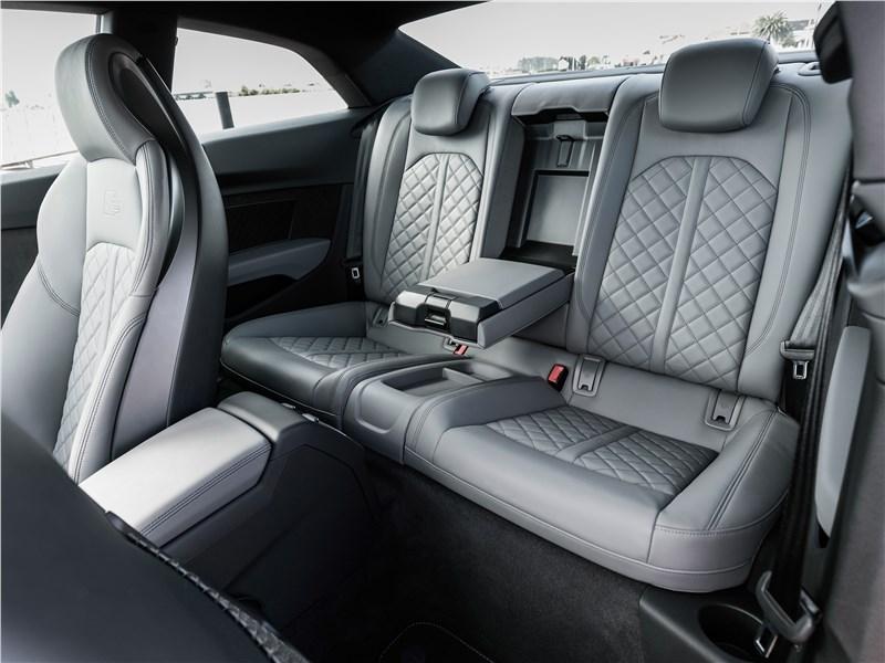 Audi S5 2017 задний диван