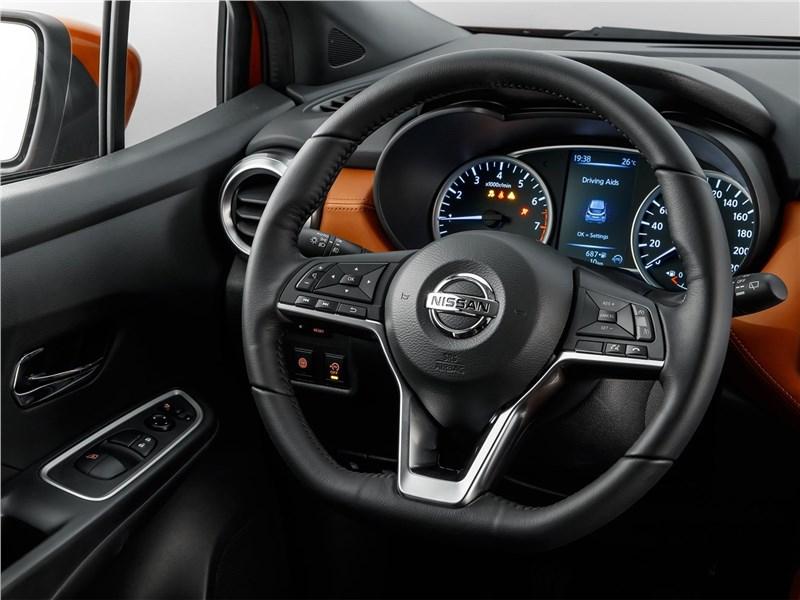 Nissan Micra 2017 водительское место