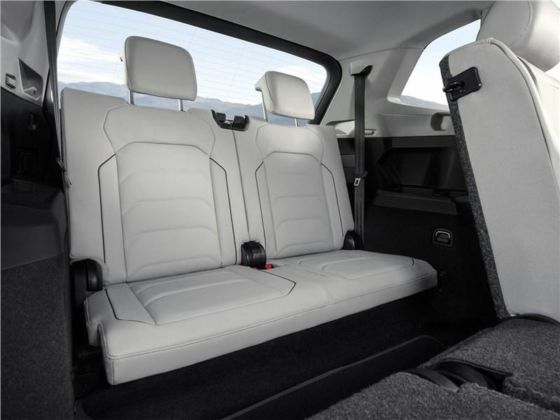 Volkswagen Tiguan Allspace 2018 третий ряд