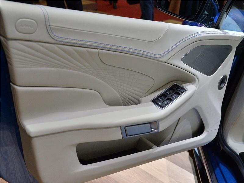 Aston Martin Vanquish S Volante 2017 дверь