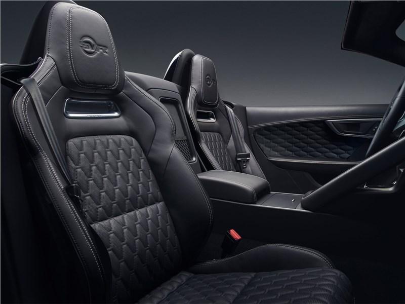Jaguar F-Type 2018 передние кресла