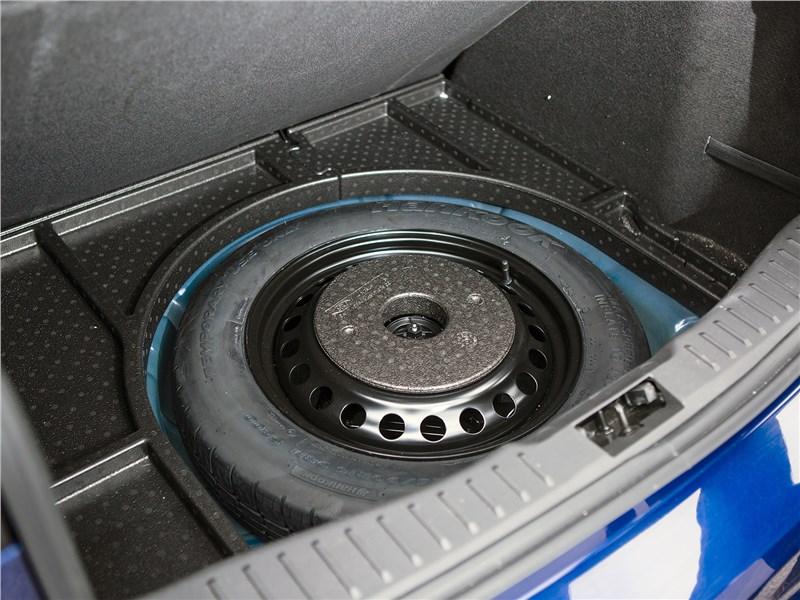 Ford Focus 2014 запасное колесо