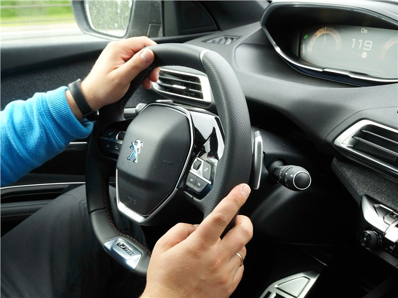 Peugeot 3008 2017 руль