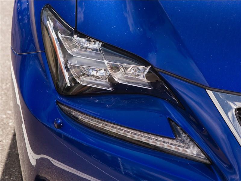 Lexus RC 2015 передняя фара