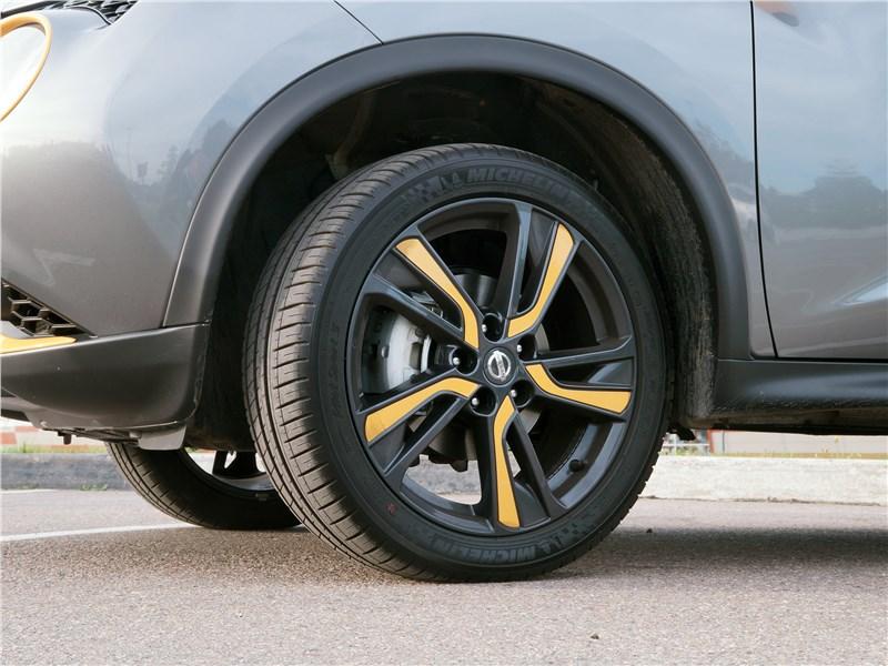 Nissan Juke 2017 колесо